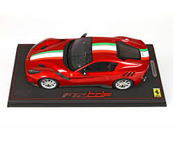 Ferrari F12 Model - f12 tdf red enzo metallic with italian flag limited 20 pcs with
