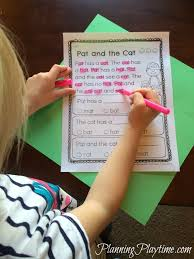 cat in the hat writing paper kindergarten reading comprehension passages planning playtime kindergarten reading comprehension passages worksheets by word family color all the words in that family
