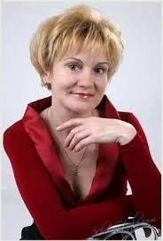 short wispy hairstyles for older women 28 best hair styles for older women images on pinterest hair dos