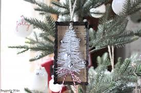 farmhouse tart tin tree ornaments raggedy bits