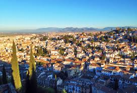 how much does it cost to live in granada for a month