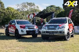 isuzu dmax 2006 2017 nissan navara st vs 2017 isuzu d max ls t 4x4 australia