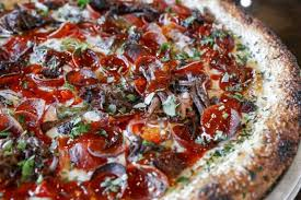 needs pizza wolfgang puck needs this zoli s bbq brisket pizza in his life you