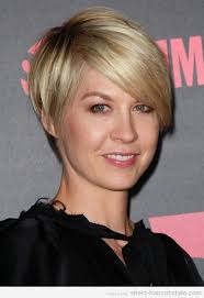 pictures of the back of a wedge hair cut short hair style back view wedge haircut back view short hairstyle