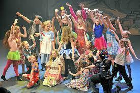 Oz Curtain Review The Wizard Of Oz Theatre Severn Shrewsbury Shropshire Star