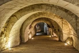 Cave A Vin Enterree Ronde Les Troglodytes Du Château De Brézé 49 Visite Horaires D