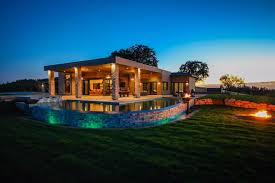 cool homes cool homes with acreage country homes and horse properties