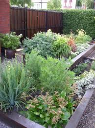 small family garden ideas small front garden design ideas images about on pinterest gardens