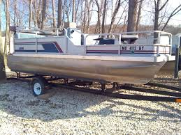my first boat and build 18ft pontoon