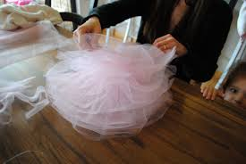 tulle pom poms how to make tulle pom poms thecreativemummy