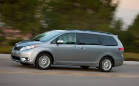 Review The 2013 Toyota Sienna Is A Minivan That Thinks Its A Car