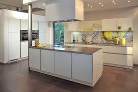kchen mit kochinsel moderne küche mit insel ausgeglichenes auf deko ideen auch küchen