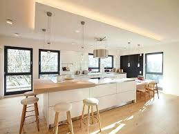 cuisine bois clair ilot cuisine bois meubles blanc et bois clair et plancher assorti