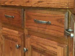 kitchen cabinet pulls and knobs kitchen cabinet door pulls