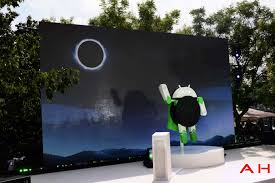 android statues commemorates android 8 0 oreo s launch with 2 statues