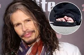 Tom Cruz Meme - tom cruise s weird middle tooth halle berry s extra toe and eight