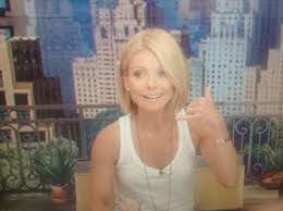 kelly ripa hair style kelly ripa debuted a new haircut on live just now you like glamour