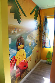 legoland beach retreat orlando lodging travelingmom the kid s room featured more murals and a box of legos to play with
