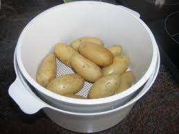 pomme de terre en robe de chambre pomme de terre robe de chambre micro onde