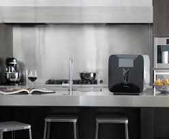 Kitchen Appliance Plum At Home Wine Preservation Appliance