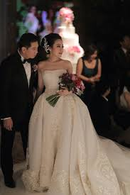 wedding dress designer jakarta magnificent wedding at the mandarin jakarta