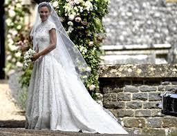 robe de mariã e createur mariage de pippa middleton qui est giles deacon le créateur de