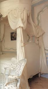 Off White Antique Bedroom Furniture Top 25 Best Antique Bedroom Decor Ideas On Pinterest Antique