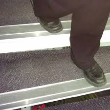Non Slip Nosing Stairs by Aluminium Stair Nosing For Non Slip Step Edging