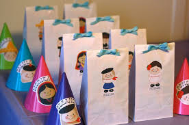 Birthday Favor Bags by Two Crafty Birthday Rookie