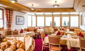 breakfast hotel garni montana rooms and apartments in ischgl