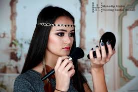 how to become a make up artist become your own make up artist make up courses in dubai