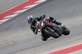 2017 aprilia rsv4 rf and rsv4 rr first ride review revzilla