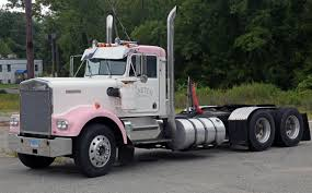 used kenworth semi trucks file kenworth w900 in pink and white garten trucking ct jpg