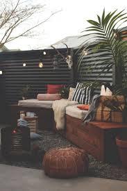 Patio Ideas For Backyard by Best 20 Backyard Makeover Ideas On Pinterest Backyard Patio