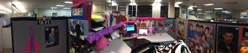 the ladies at work decided to decorate my cubicle while i was away