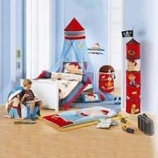 chambre enfant pirate décorer la chambre d un garçon sur le thème des linge de