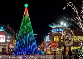 crocker park tree lighting 2017 crocker park celebrates the season the villager newspaper online