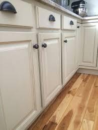 Chalk Paint Kitchen Cabinets Annie Sloan Chalk Paint On Kitchen Cabinets Country Grey Before