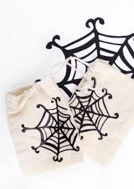 diy treat bags spider websmaritza lisa