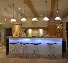 table bar pour cuisine conseils de pro pour l éclairage de votre table synergie déco