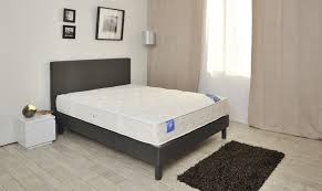 lit de chambre orientation de la tête de lit roqya hijama lyon