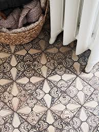 floor tile patterns for bathroom kitchen and living room founterior