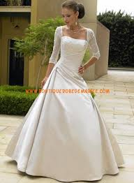 robe de mariã e ronde robe de mariée avec manches traîne ronde