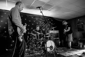 the bats u2013 brudenell social club leeds 14 06 2017 god is in the tv