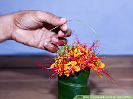 How To Design Flowers In A Vase How To Arrange Flowers For A Small Vase 6 Steps With Pictures