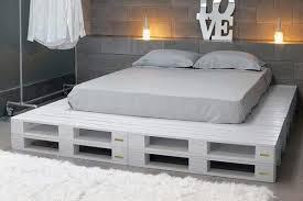 costruire letto giapponese un letto con i pallet ecco 15 idee da cui trarre ispirazione
