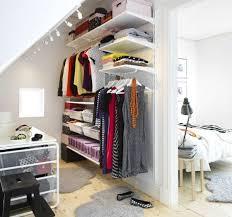 schlafzimmer planen bezaubernde inspiration begehbarer kleiderschrank dachschräge