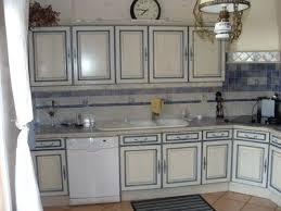 repeindre une cuisine ancienne repeindre une cuisine en chene meuble repeint en blanc 1