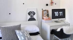 chambre à coucher blanc et noir peindre un mur en blanc chambre a coucher mur blanc et noir peindre