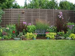 Fencing Ideas For Small Gardens Images About Fence Diy Ideas And Also Modern Yard Fencing 2017